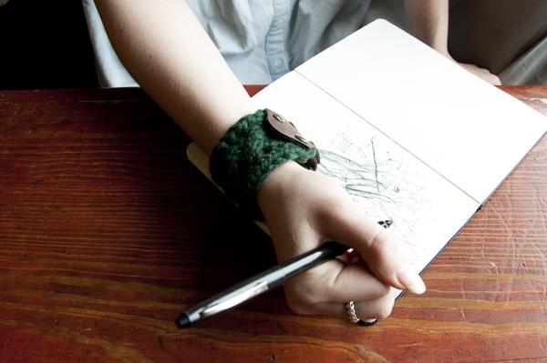 Як зв'язати браслет спицями - 13