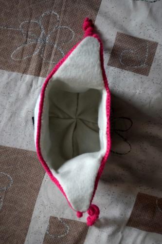 Як викроїти і вшити підкладку із флісу у в'язану шапочку з вушками - 29