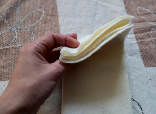 Як викроїти і вшити підкладку із флісу у в'язану шапочку з вушками - 8