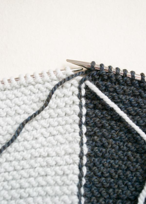 Жилетка (безрукавка) прямокутник зв'язана поперик спицями - 3