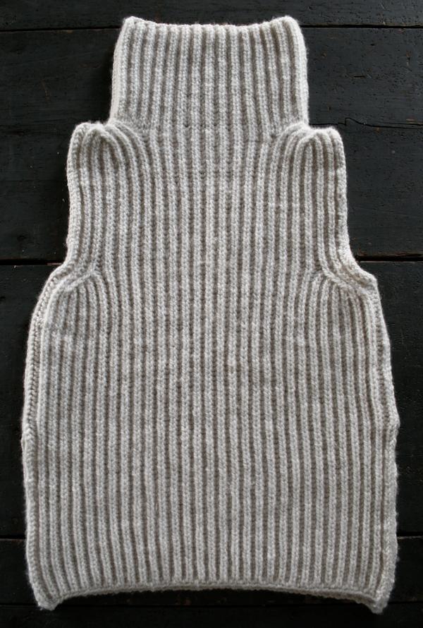 Тепла жилетка (безрукавка) спицями - 14