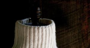 Тепла жилетка (безрукавка) спицями