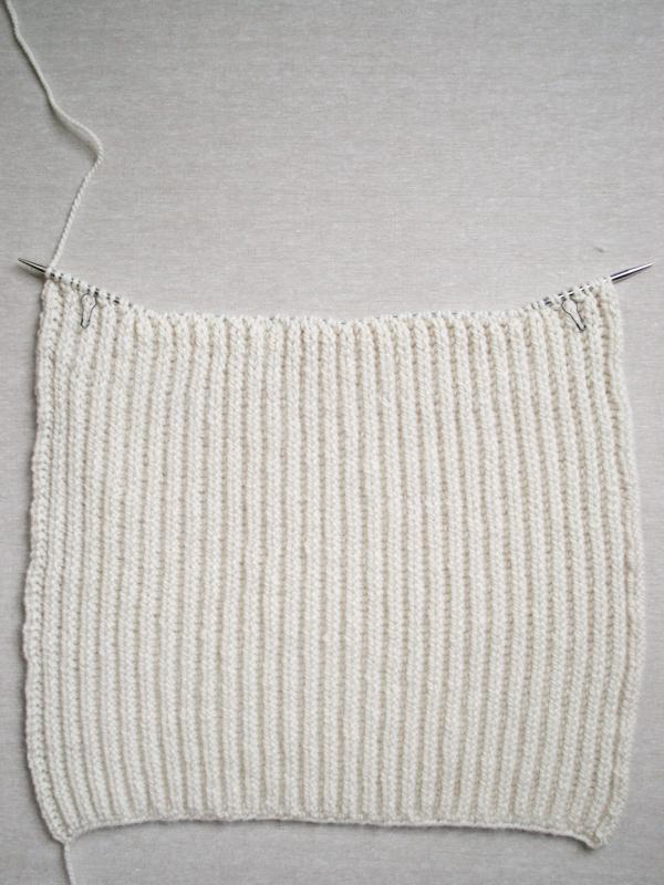 Тепла жилетка (безрукавка) спицями - 5