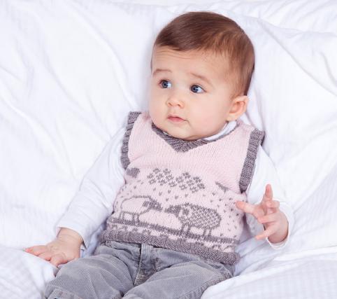 В'язана жилетка (безрукавка) для немовляти до року - 2