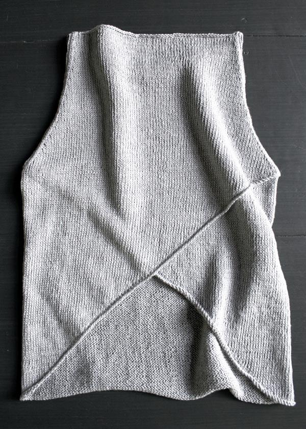 В'язана асиметрична безрукавка спицями - 3