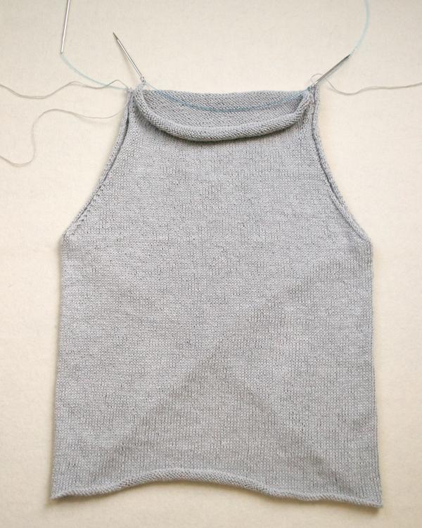 В'язана асиметрична безрукавка спицями - 11