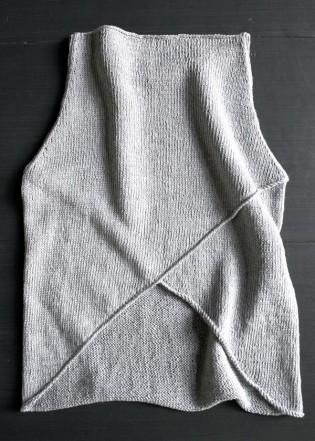 В'язана асиметрична безрукавка спицями - 20