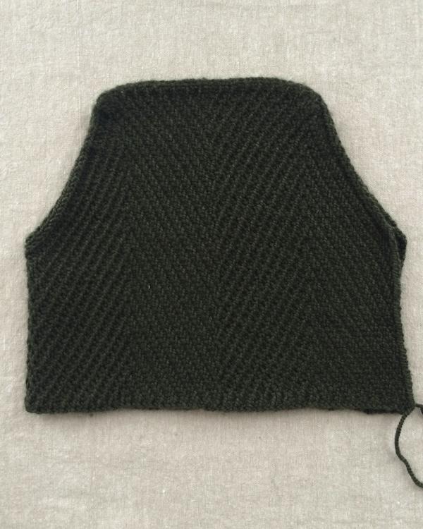 В'язана шапочка із зігзагами спицями - 3