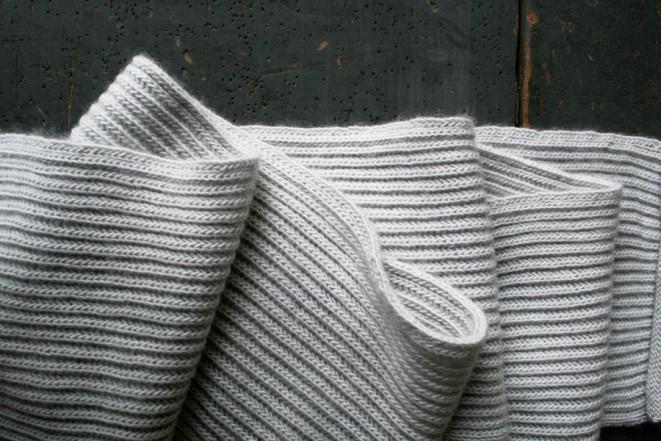 В'язаний шарф англійською резинкою спицями - 4