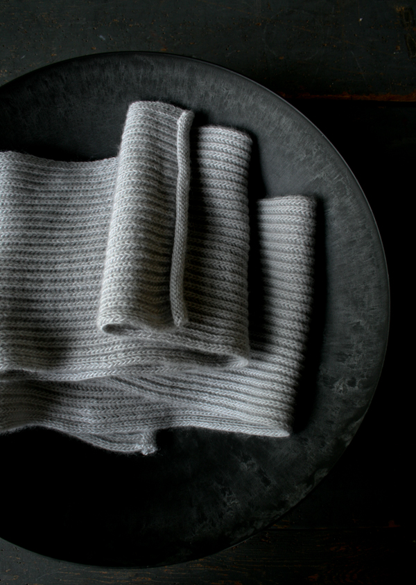 В'язаний шарф англійською резинкою спицями - 1