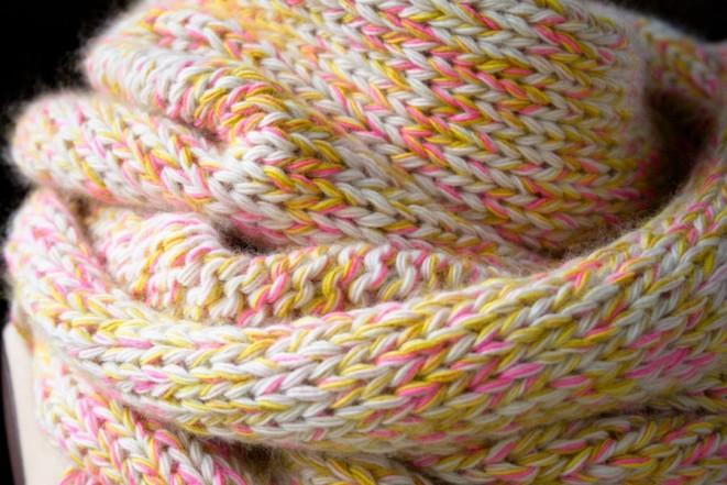 В'язаний шарф з меланжевої пряжі спицями - 2