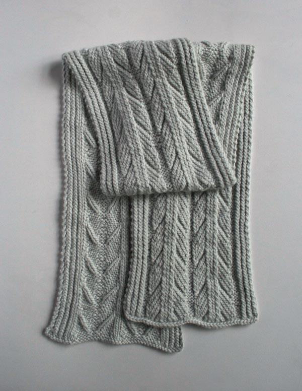 Красивий шарф спицями з рельєфним візерунком - 2
