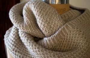 Простенький снуд (шарф-хомут) для початківців