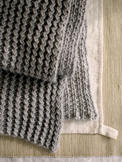 Теплий зимовий шарф спицями - 3