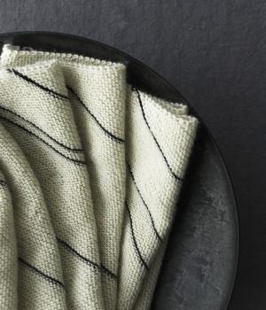 В'яжемо спицями модний шарф