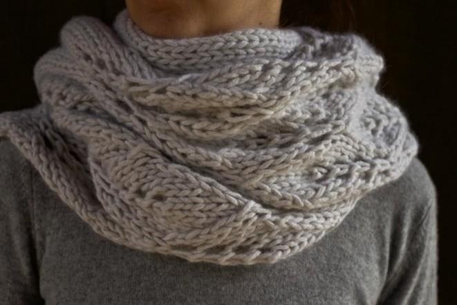 В'язаний ажурний шарф спицями - 1