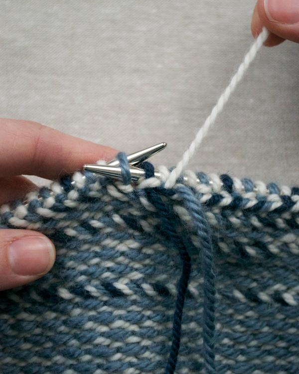 В'язаний жакардовий шарф спицями - 6