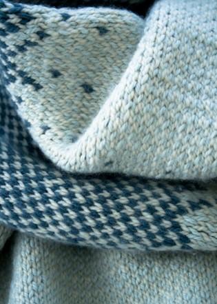 В'язаний жакардовий шарф спицями - 12