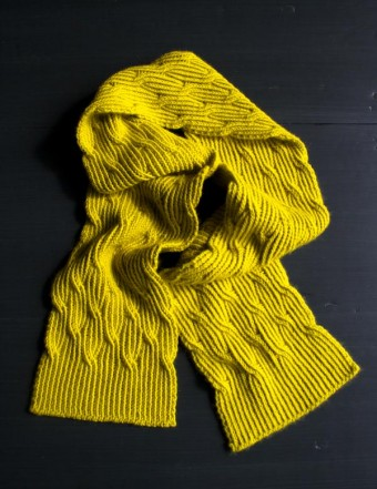 В'язаний жіночий шарф спицями - 5