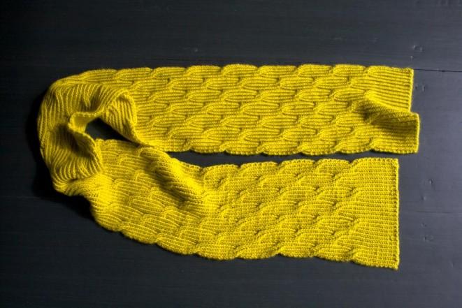 В'язаний жіночий шарф спицями - 2