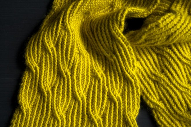 В'язаний жіночий шарф спицями - 3