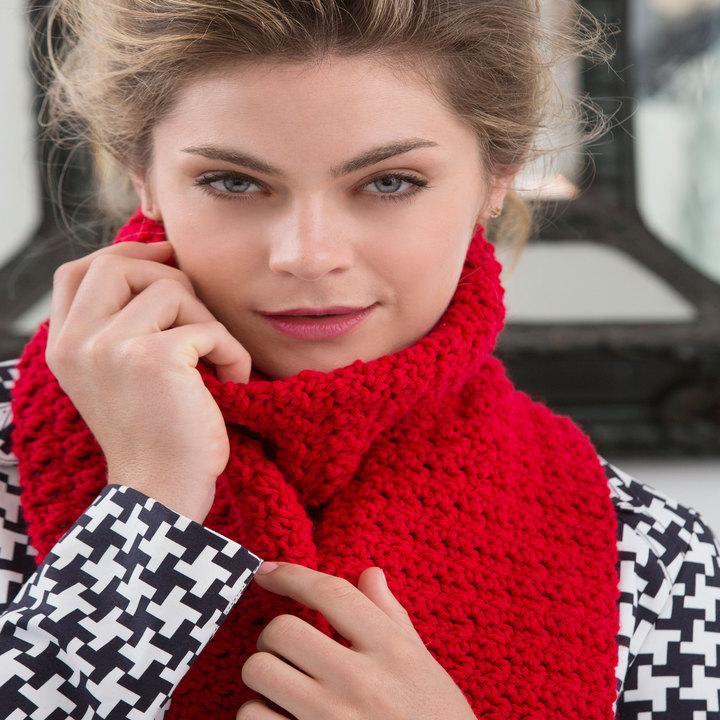 В'язаний червоний шарф гачком - 2