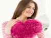 Подушка у формі серденька спицями - 1