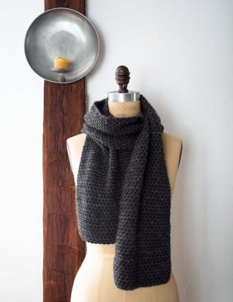 В'язаний простий шарф спицями для початківців - 2