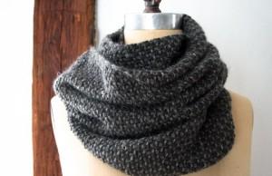 В'язаний простий шарф спицями для початківців