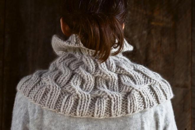 В'язаний снуд (шарф-хомут) косами - 1