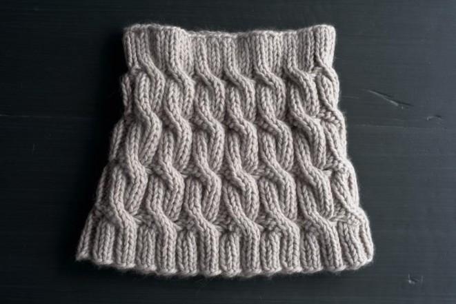 В'язаний снуд (шарф-хомут) косами - 2