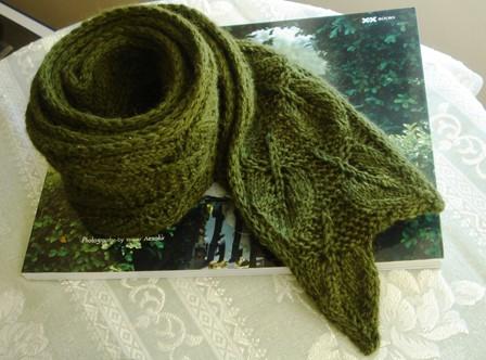 В'язаний шарф з ажурним візерунком - 2
