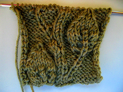 В'язаний шарф з ажурним візерунком - 5