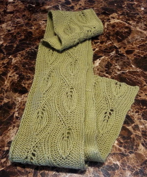 В'язаний шарф з ажурним візерунком - 7