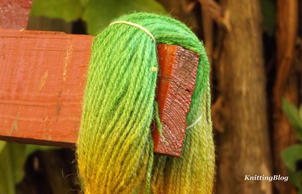 Фарбування пряжі Етно-натура в домашніх умовах МК (19)