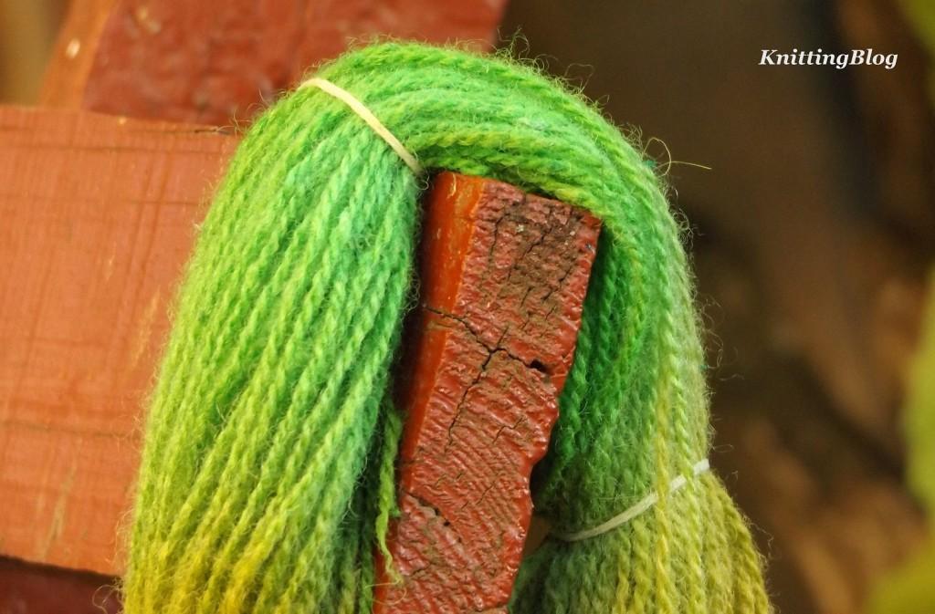 Фарбування пряжі Етно-натура в домашніх умовах МК (22)