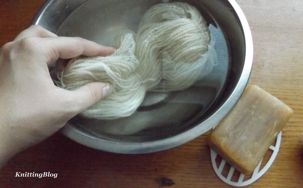 Фарбування пряжі Етно-натура в домашніх умовах МК (8)