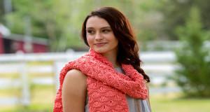В'язаний хвилястий шарф спицями - 1