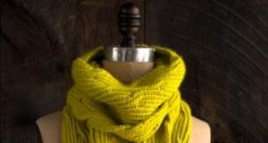В'язаний жіночий шарф спицями - 1